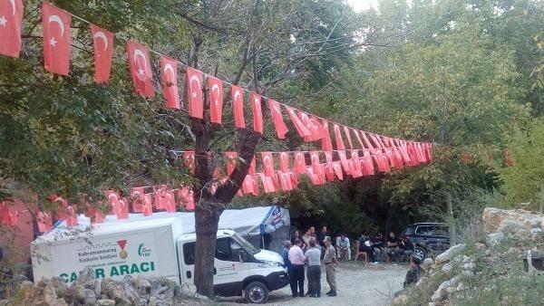 Türkiye şehitlerine ağlıyor galerisi resim 27