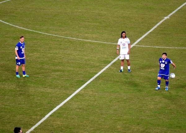 Barış maçında Maradona gerginliği galerisi resim 3