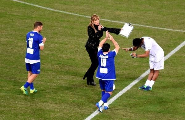Barış maçında Maradona gerginliği galerisi resim 5
