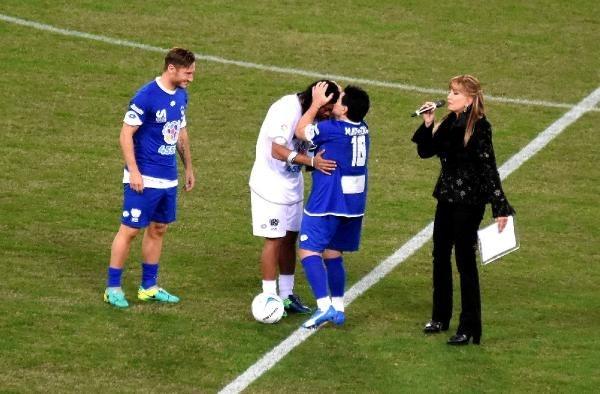 Barış maçında Maradona gerginliği galerisi resim 7