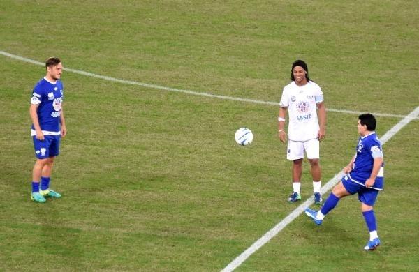 Barış maçında Maradona gerginliği galerisi resim 8