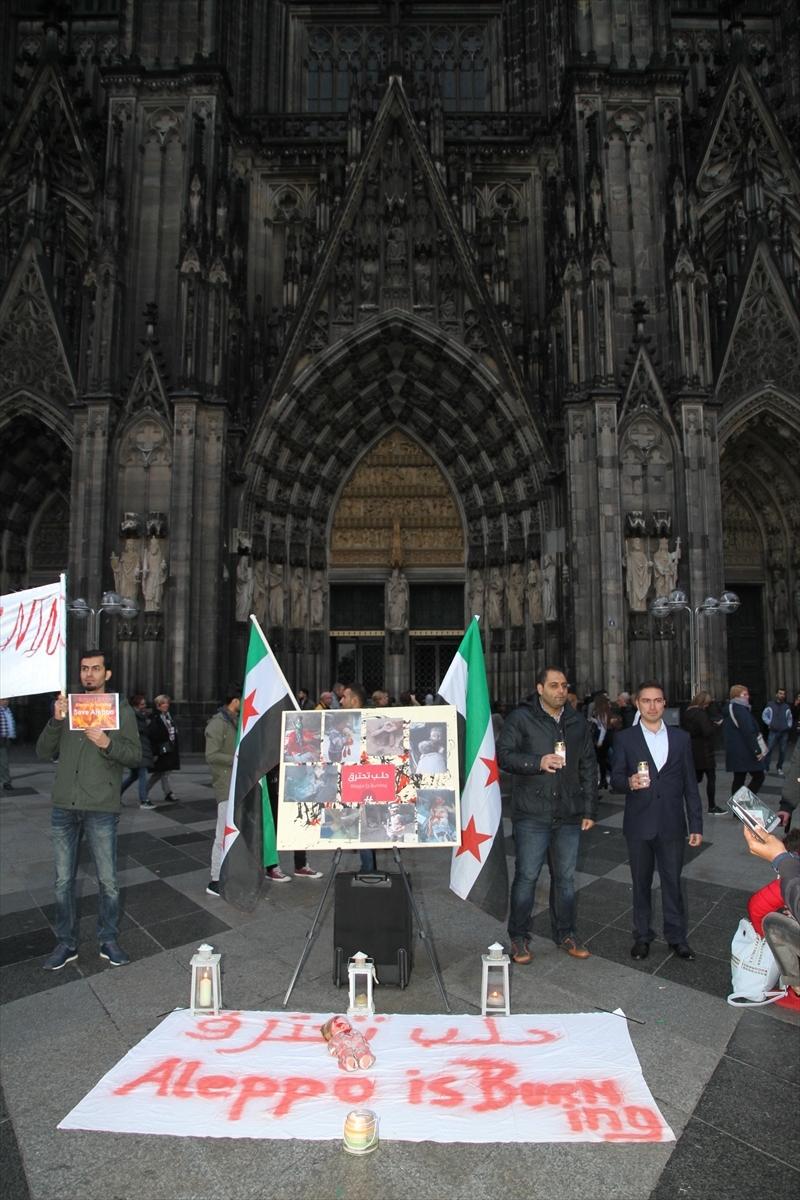 Halep saldırılarının durması için Köln'de insan zinciri galerisi resim 5