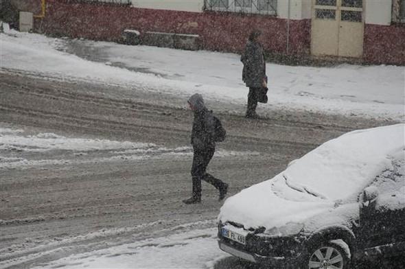 Türkiye güne karla uyandı galerisi resim 2