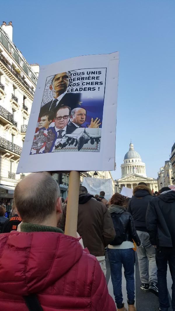 Paris'te 'OHAL'i acilen durdurun eylemi galerisi resim 2