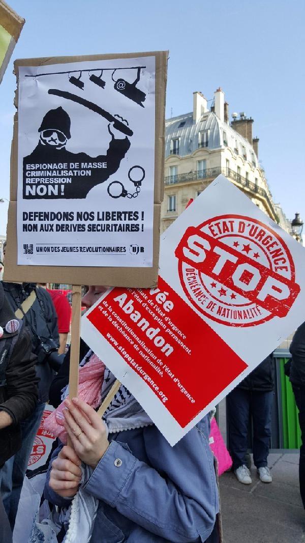 Paris'te 'OHAL'i acilen durdurun eylemi galerisi resim 3