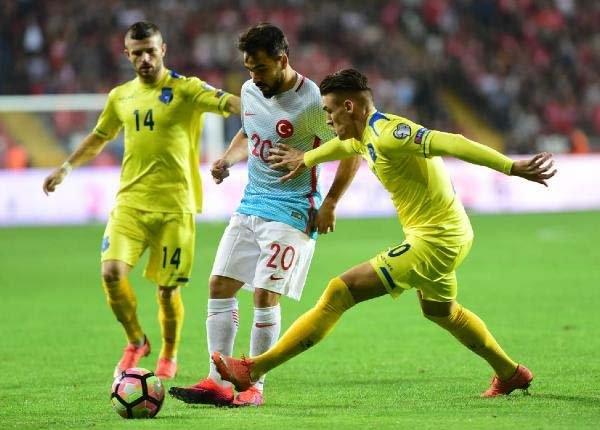 Türkiye-Kosova maçından kareler galerisi resim 13