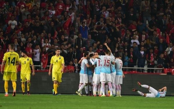 Türkiye-Kosova maçından kareler galerisi resim 26