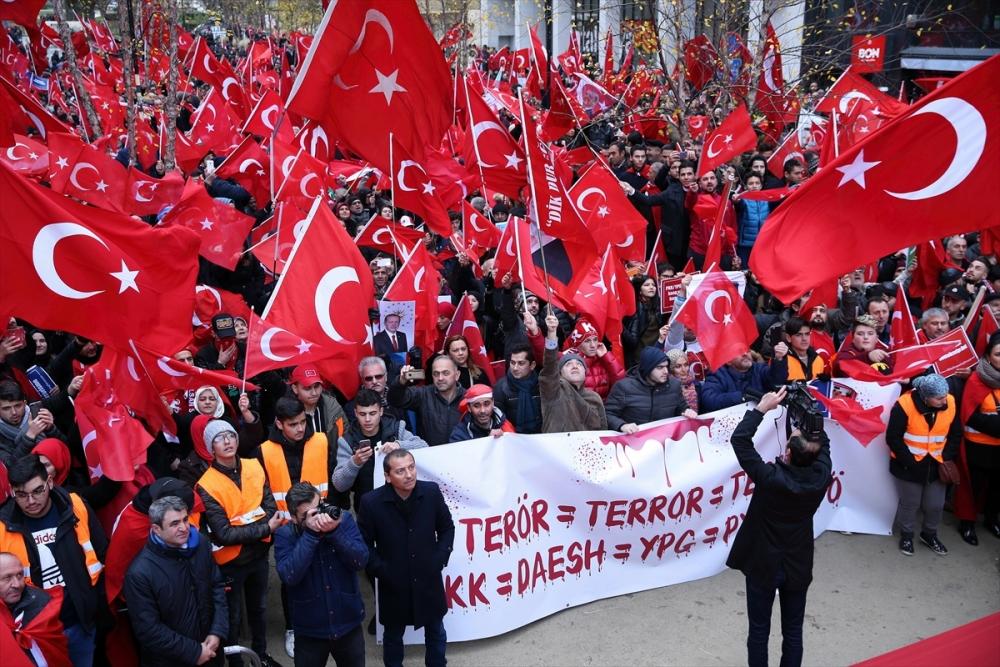 Avrupa'daki Türkler meydanlara indi galerisi resim 6