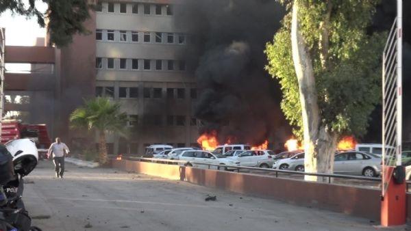 Adana Valiliği'ne bombalı araçla saldırı galerisi resim 14