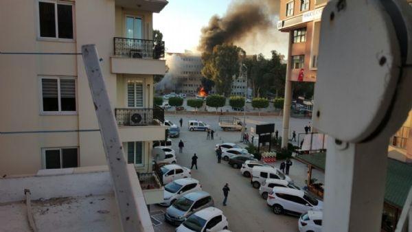 Adana Valiliği'ne bombalı araçla saldırı galerisi resim 16