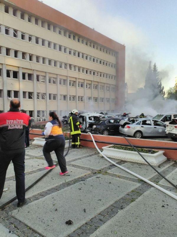 Adana Valiliği'ne bombalı araçla saldırı galerisi resim 18