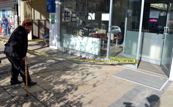 CHP İlçe binası kundaklandı galerisi resim 8
