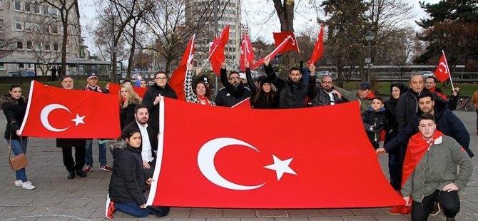İstanbul'daki terör saldırısı Almanya'da protesto edildi galerisi resim 2