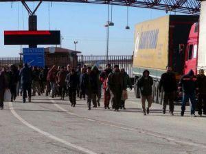 Halep'ten kaçan Suriyeliler, Azez çevresine yerleştiriliyor