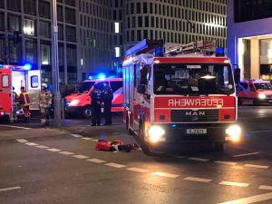 Berlin'de Noel pazarına TIR girdi: 12 ölü ve 48 yaralı