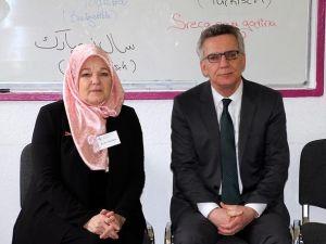 Maiziere, Müslüman Kadınlar Derneği'nde