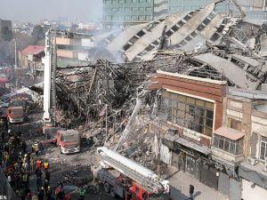 17 katlı bina çöktü: 30 itfaiyeci öldü