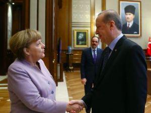 Merkel'in Türkiye çıkarması