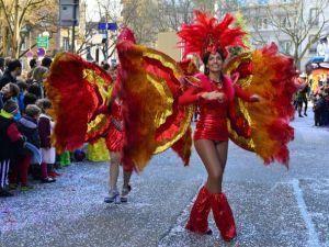 Avrupa'da karnaval coşkusu sürüyor