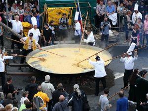 Dev omlet geleneği bozulmadı
