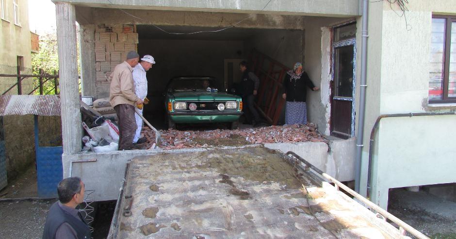 Almanya'dan getirdiği arabayı 37 yıl sakladı galerisi resim 4