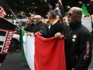 Neo-faşistler, Roma'da yürüdü