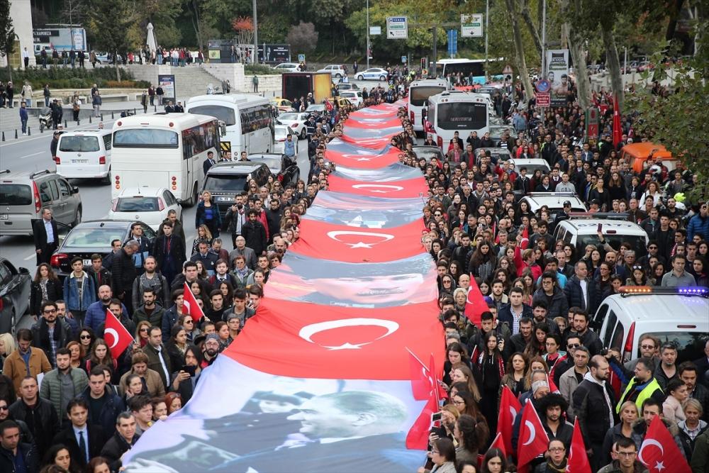 A nagyon-nagyon hosszú zászló (Forrás:_Arti49)