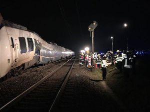 Almanya'da trenler çarpıştı: En az 50 yaralı