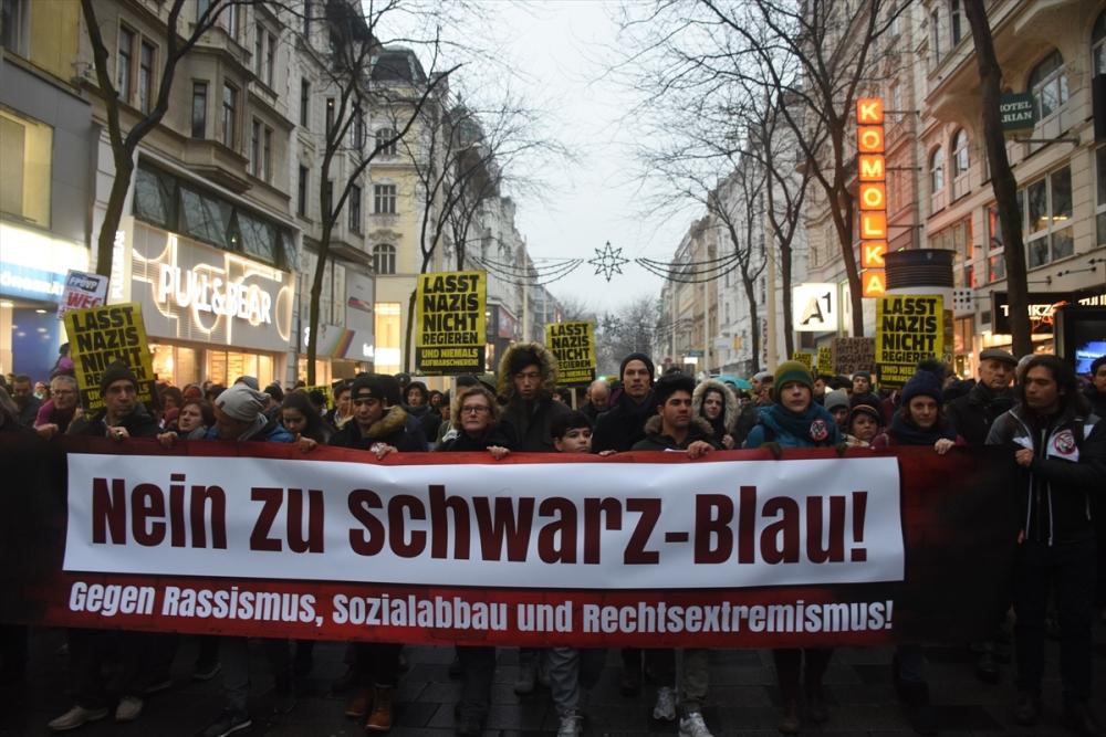 60 bin kişi hükümeti protesto etti galerisi resim 1