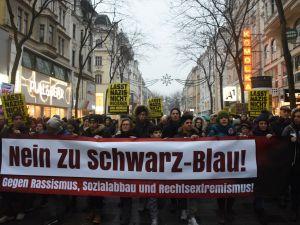 60 bin kişi hükümeti protesto etti