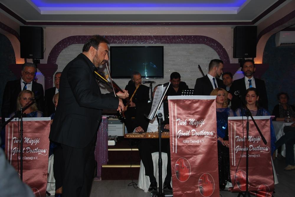 Türk Müzigi Gönül Dostları 23 Nisan'ı kutladı galerisi resim 1