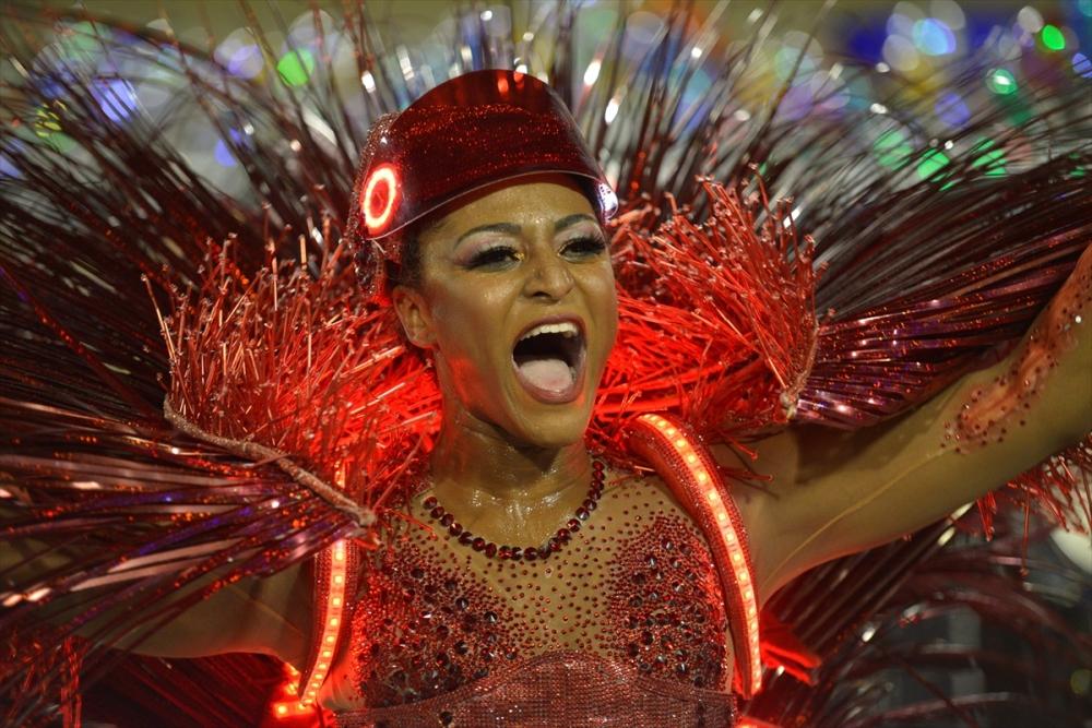 Rio Karnavalı'ndan renkli kareler galerisi resim 1