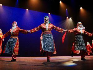 Hollanda'da Türk halk oyunları rüzgarı