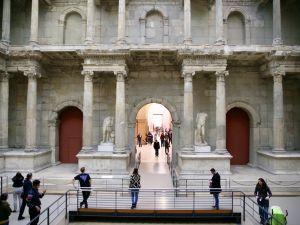 Berlin Bergama Müzesi'ne ziyaretçi akını