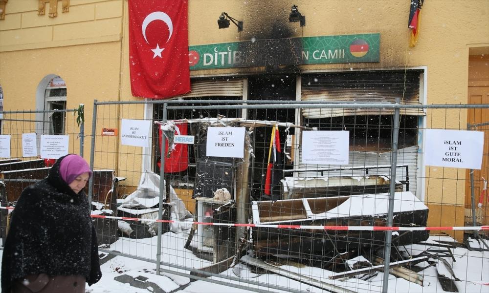 Almanya'daki cami saldırılarına tepki galerisi resim 1