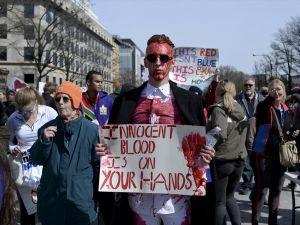 Yüz binler silah satışına karşı yürüdü