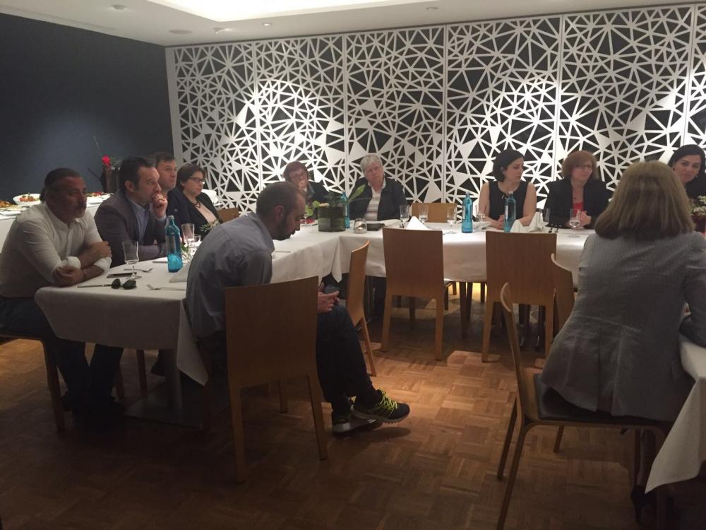 SPD ve CHP milletvekilleri Essen'de buluştu galerisi resim 1