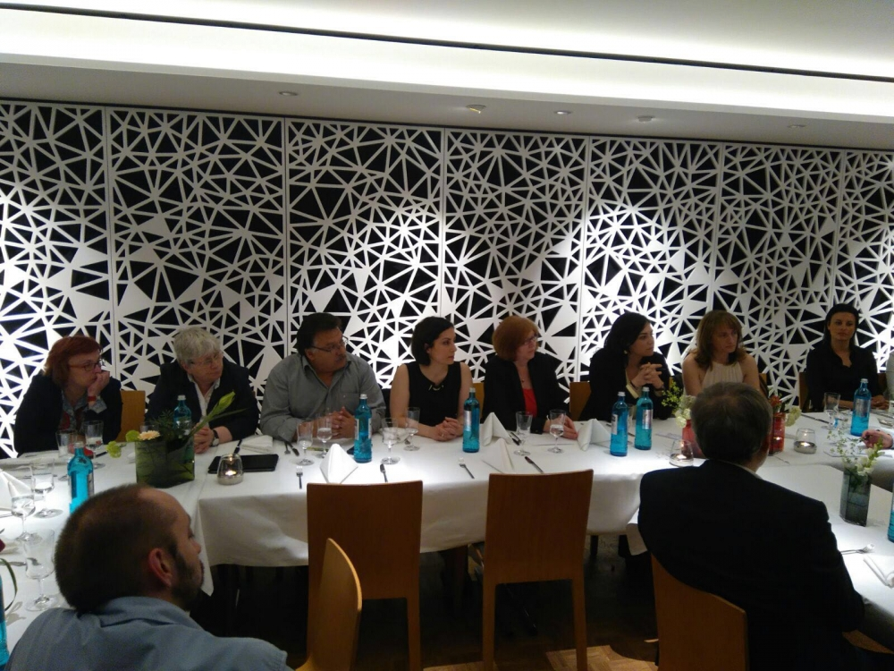 SPD ve CHP milletvekilleri Essen'de buluştu galerisi resim 10