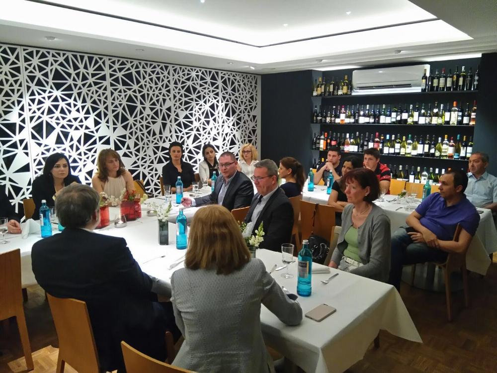 SPD ve CHP milletvekilleri Essen'de buluştu galerisi resim 9