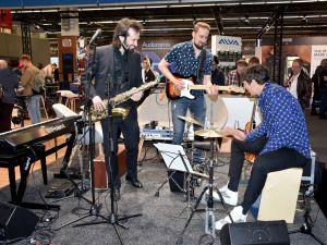 'Analogdan dijitale' müzikseverler Frankfurt'ta buluştu