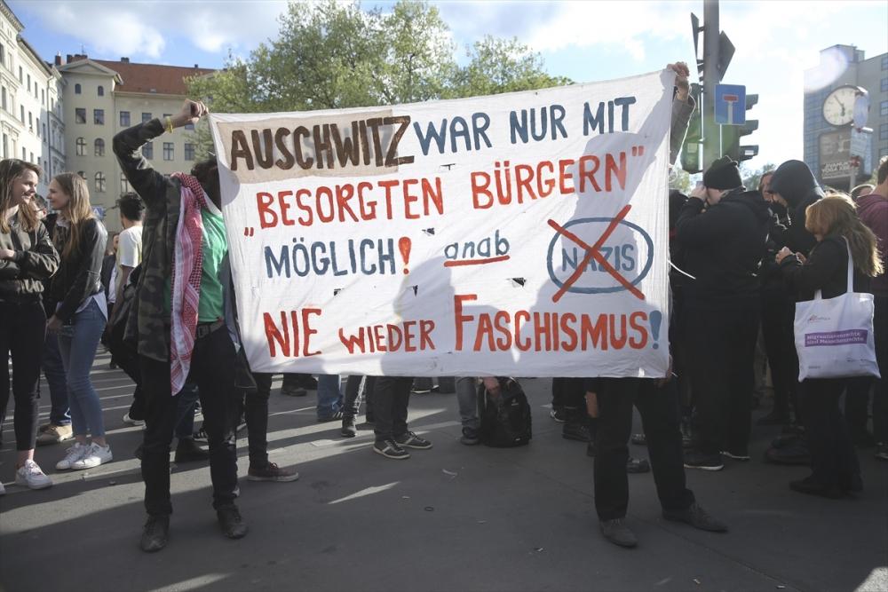 Almanya'da 1 Mayıs'ta PKK propagandası galerisi resim 1