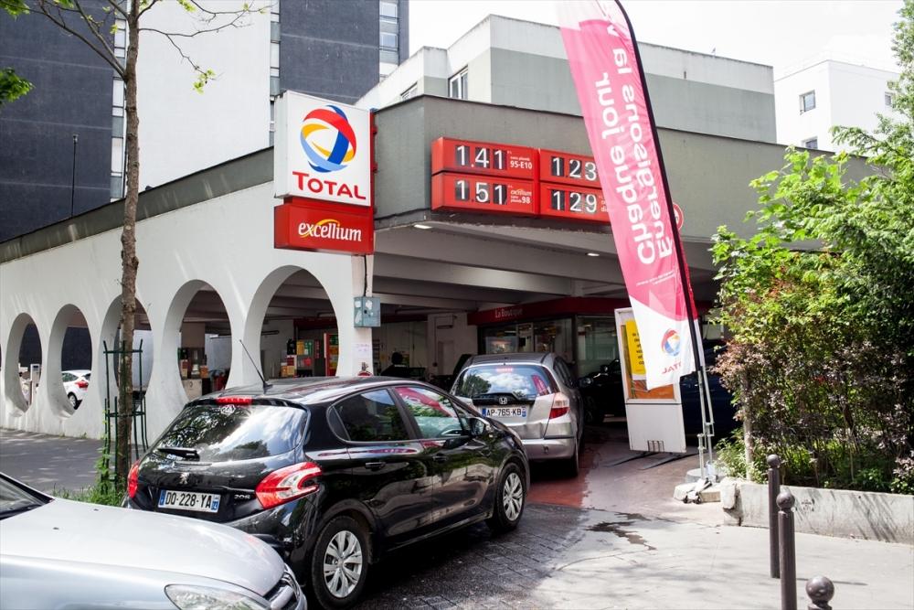 Fransa'da benzin krizi sürüyor galerisi resim 8