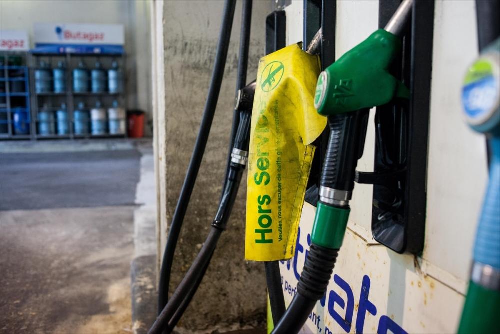 Fransa'da benzin krizi sürüyor galerisi resim 9