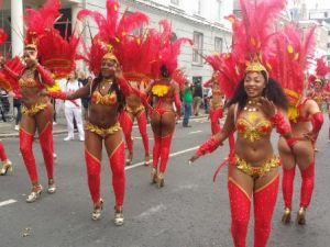 Avrupa'nın en renkli sokak festivali