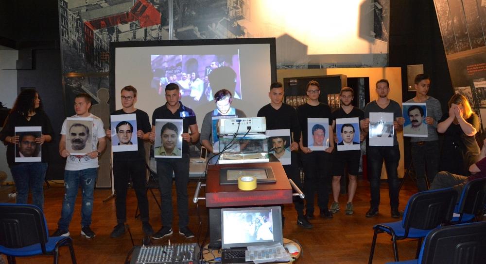 Alman öğrenciler NSU kurbanlarını andı galerisi resim 14