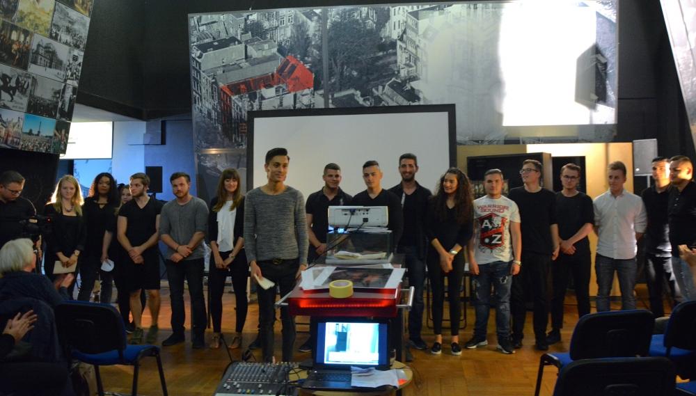 Alman öğrenciler NSU kurbanlarını andı galerisi resim 15