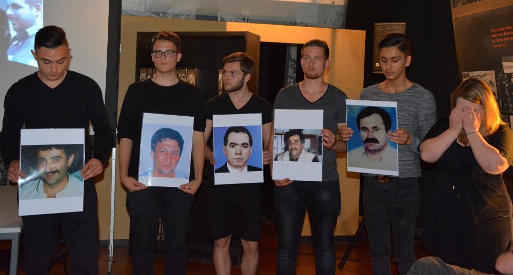 Alman öğrenciler NSU kurbanlarını andı galerisi resim 16