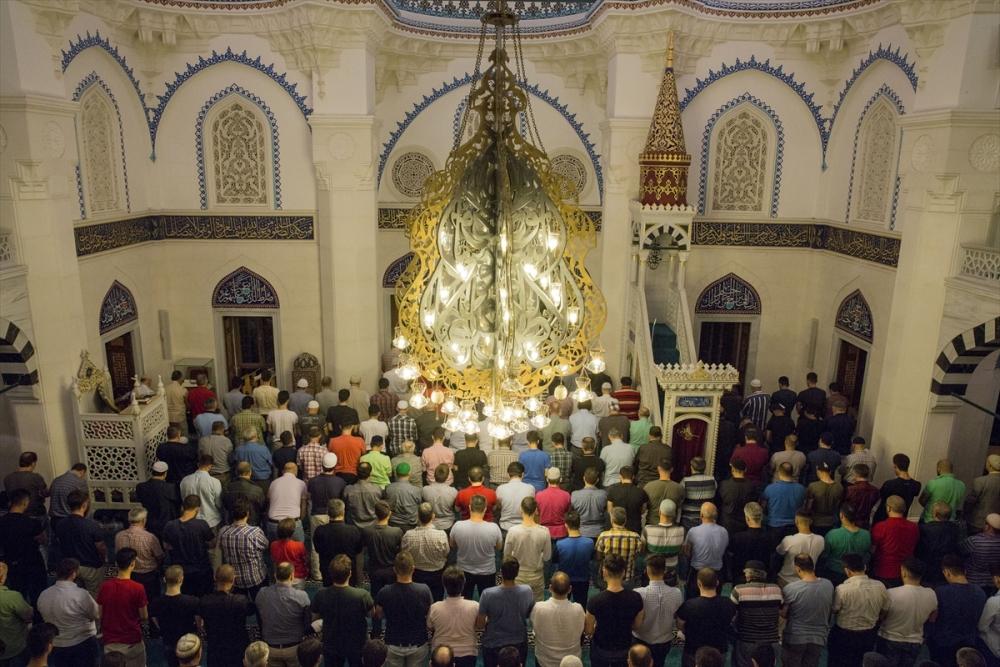 Berlin Şehitlik Camii'nde ramazan coşkusu galerisi resim 2