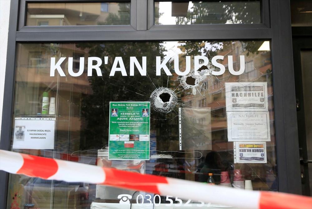 Berlin'de Türk derneği kundaklandı galerisi resim 1