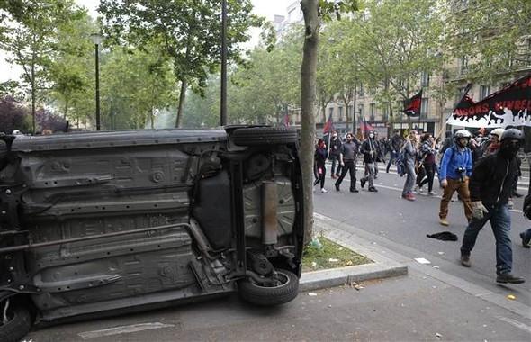 Paris'te eylemcilere sert müdahale galerisi resim 4